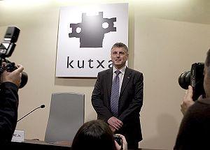 El-nuevo-presidente-de-Kutxa-Xabier-Iturbe-2008042813293101xm1.jpg