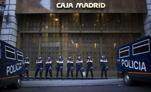Policía Caja madrid.jpg