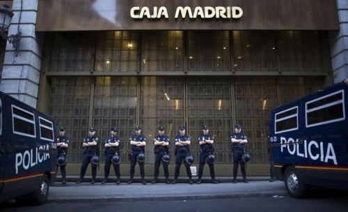 Policía Caja madrid.jpg